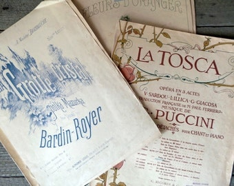 Antique 1900s sheet music pages.  4 Antiques Shabby chic musical scores. Whole music partitions.