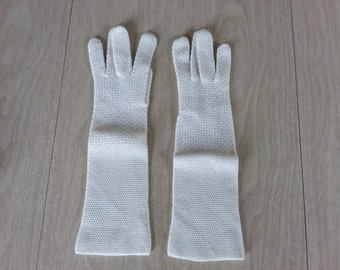 Vintage White Knitted Stretchy Gloves