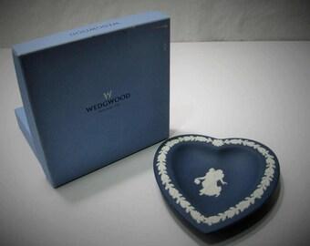 Wedgewood Heart Tray 2492 - Portland Blue Jasperware