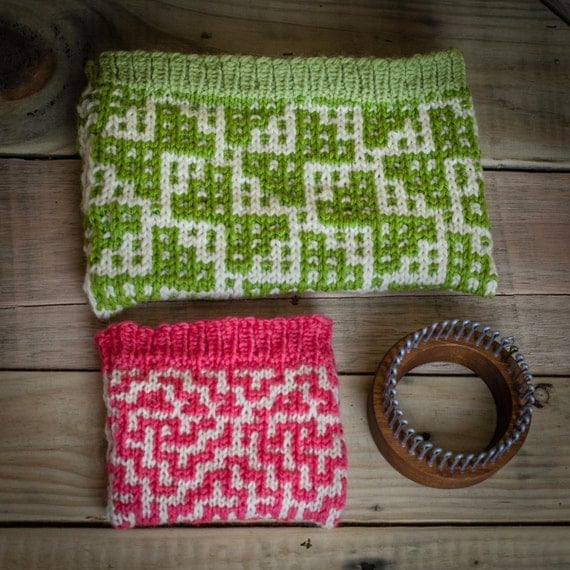 Loom Knit Change Purse, Wallet, Make Up Bag, Wristlet, Credit Card Holder Loo...