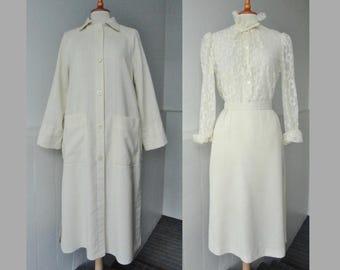 Ivory Vintage 2 Piece Suit // Coat With Skirt // Wallis // Size 40