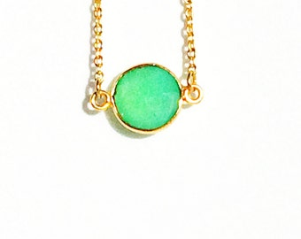 Short Gold Green Chalcedony Necklace