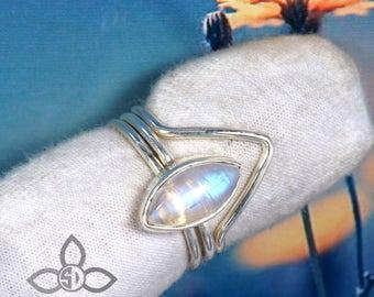 Rainbow Moonstone Ring, Moonstone Ring, Stacking Ring, Rainbow Ring, Solid Silver Ring, Natural Moonstone Ring, Partywear Ring, Gemstone
