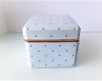 Norell Porcelain Box/Made in Japan