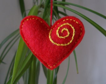Red Felt Heart Ornament,Embroidered Heart,Small Wedding Decoration,Felt Pincushion,Bag Charm,Key Ring,Car Ornament, Love Heart