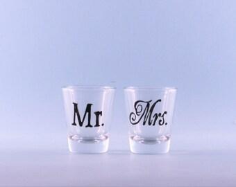 Wedding Shot Glasses - Mr Mrs Shot Glasses - Hand Painted