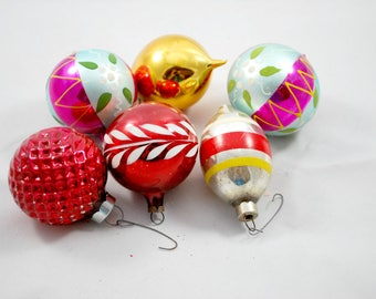 Christmas Ornaments , Mix Colors , Round Mercury Glass Balls , 1950 , Christmas Tree