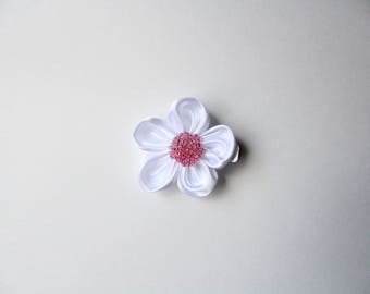 Flower hair bow in White with Pink center, hair bow, hair accessories, girls hair bow, hair clip, HOKC