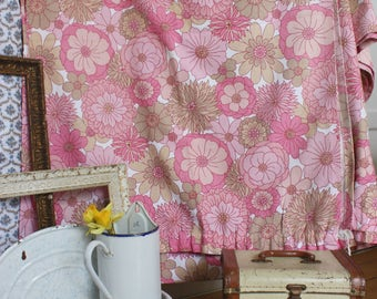 Vintage St Michaels 60s 70s pink flower power psychedelic curtains