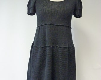 Casual black linen dress, M size. Handmade, only one sample.