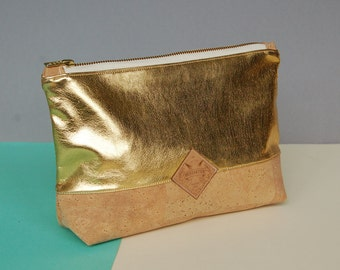 vegan clutchbag, clutchbag gold, cork clutch, vegan bag, golden bag, vegan, corkskin, golden clutch, minimal clutch, mkeupbag vegan