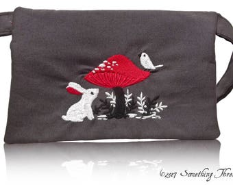 Toadstool Nature Clutch