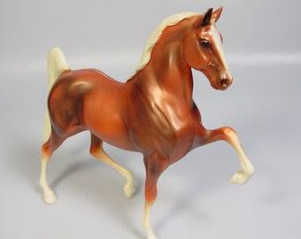 Vintage-Hartland-Plastics-Co-Five-Gaited-Saddlebred-Copper-Sorrel-Horse-Figure
