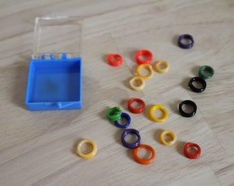 Multi color plastic stitch marker set