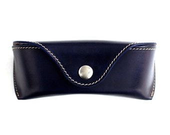 Glasses case for Wayfarers Clubmasters sunglasses case Veg tan leather Navy Blue Handcrafted by Celyfos®