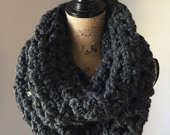 Chunky cowl in Charcoal
