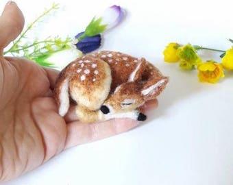 Needle Felt Little Sleeping Fawn kit - beginner/ intermediate - The Wishing Shed - Baby Deer Bambi Decoration / Ornament Gift craft work