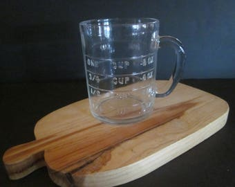 Vintage Hazel Atlas Dry Measuring Cup 1950 Clear Glass One Cup Handle. No scratching. Great condition
