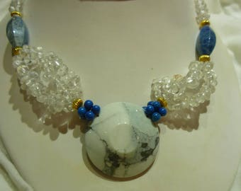 G38 Vintage Crystal Necklace with Stone Adornments and Pendant.