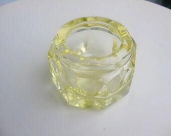 Org 70 J, ashtray - yellow