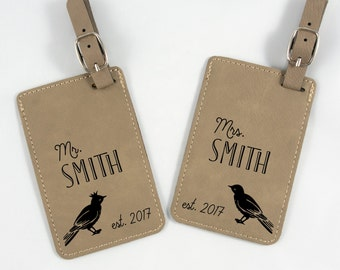 Mr & Mrs Luggage Tags_Personalized Wedding Gift - Love Birds Bag Tags - His and Hers - Couple Bag Tags - Vacation Tag - Honeymoon Tag