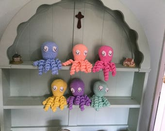Preemie Premature baby octopus toy with comfort tentacles. Prem baby comfort toy.  Handmade crochet toy octopus. Knitted octopus.