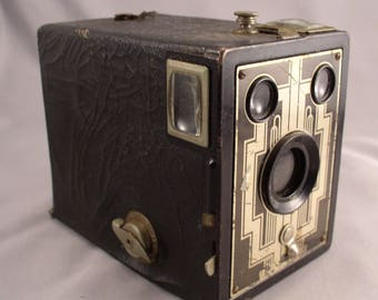 KODAK BROWNIE  Six-20 Camera - Vintage Camera