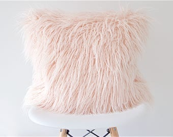 Faux fur pillow cover - Blush pink mongolian lamb toss pillow, Rose Quartz fur accent pillow,   Pink fur pillow cover, Boho cushion