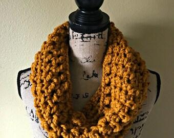 Infinity Scarf, Chunky Infinity Scarf, Chunky Crochet Scarf, Womens Winter Scarf, Womens Crochet Cowl