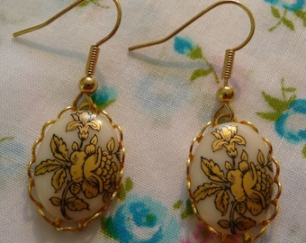 Simple Oval Vintage Gold Floral Cabochon Drop Earrings