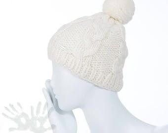 Hand knit hat  /  Chunky Knit  / Knit Pom Pom Hat / Knit Hat / Knit Pom-Pom / Ready to ship/ Free shipping.