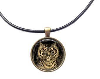 Tiger necklace Animal pendant Vintage jewelry