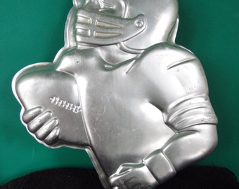 Football Player cake pan by Wilton vintage
