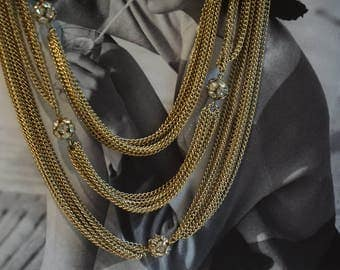 Vintage multiple chains three strands necklace