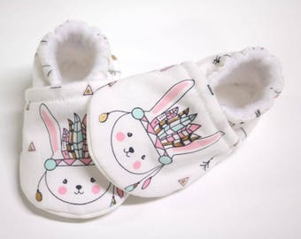Bunny Pink Baby shoes, baby shoes girl, soft sole, baby booties, baby boots, toddler shoes, baby girl shoes, baby moccasins, bo-ho indian