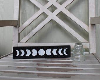 Moon phase mini bookshelf sign