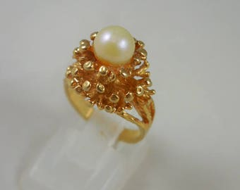 Vintage Costume Faux Pearl Goldtone Ring
