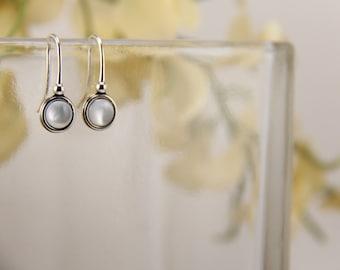 Mother of pearl sterling silver earrings - 6mm [E43MoP]