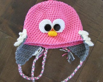Tuque for baby bird made crochet