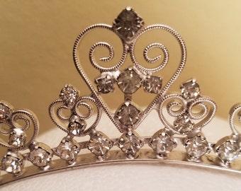 Vintage Rhinestone headband, vintage headband, vintage tiara, 1950's tiara, 1950's headband, rhinestone headband, heart shaped headband