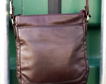 Cross body messenger bag Vintage brown leather messenger bag, Chocolate brown leather , brown leather purse, vintage leather purse