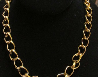 """Lovely Gold Chain 24"""""""