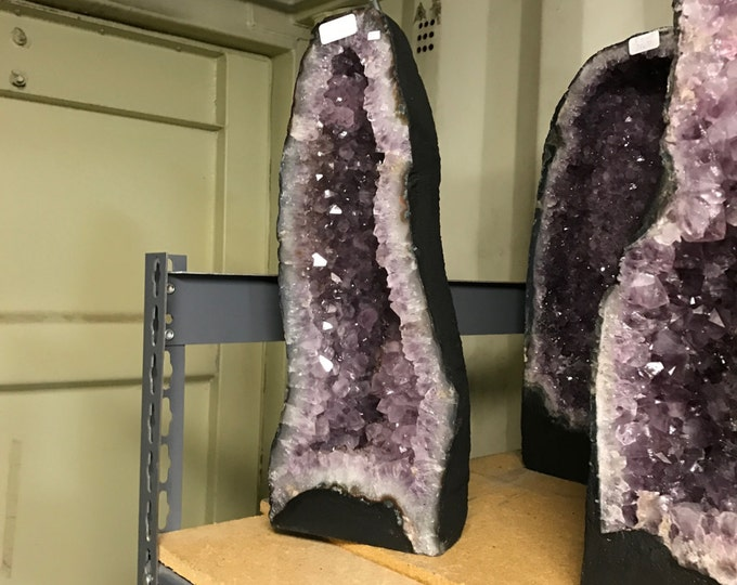 "Amethyst Geode 22LBS 16"" Tall Home Decor \ Fung Shui \ Raw Amethyst \ Rocks \ Garden \ Metaphysical \ Meditation \ Amethyst Cluster \ Geodes"