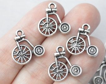 8 Pcs Bicycle Charms Antique Silver Tone 2 Sided 17x17mm - YD1228