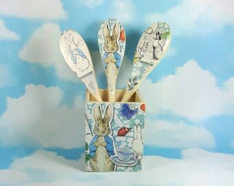 Peter Rabbit Gift Set, Nursery Decor, Baby Shower, Pen Pot & 3 Spoons, Peter Rabbit Decor, Beatrix Potter, Peter Rabbit Decorations