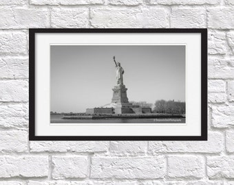 statue of liberty, New york, photography, black and white,original print, photo print, statue photo, wall art, photo new york,