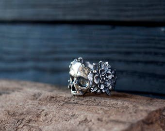Silver skull ring - Flower skull ring - Flowers and skull - Sugar skull - Day of the dead - Gothic ring - Dia de los muertos