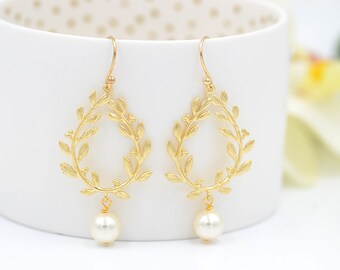 Bridal Earrings Bridesmaid Earrings Wedding Jewelry Laurel Wreath Earrings with Swarovski ivory Pearls Maid of Honor Bridesmaids Gift