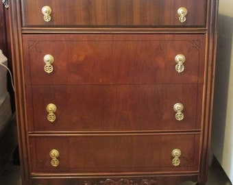 Vintage Dresser chest of drawers