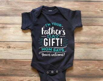 First Fathers Day Gift - 1st Fathers Day Gift - Im your Fathers Day Gift - Happy First Fathers day - First Fathers Day Shirt - Happy Fathers